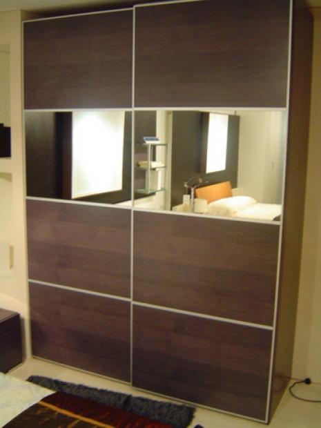 гардероб с плъзгащи врати