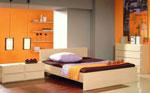 Поръчка на спалня с легло персон и половина от светло дърво