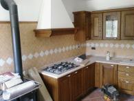 Масивни дървени кухни по поръчка
